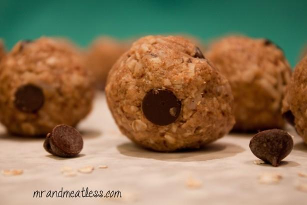 granola balls1